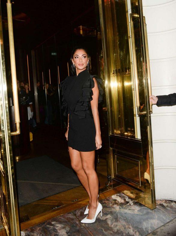 Nicole Scherzinger 2019 : Nicole Scherzinger – Seen outside Isabel in London-05