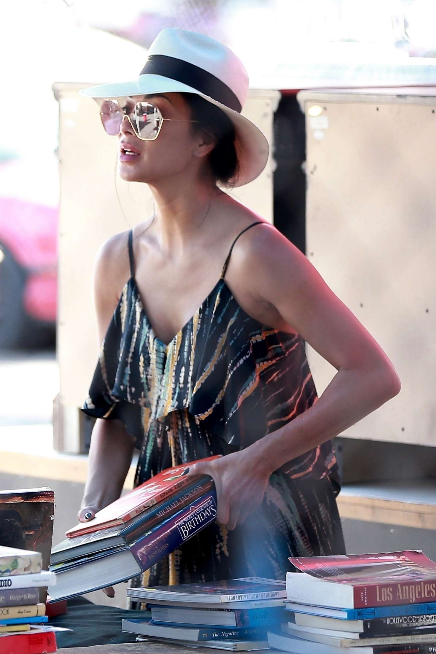 Nicole Scherzinger 2018 : Nicole Scherzinger: Shopping at the Melrose Trading Post -04