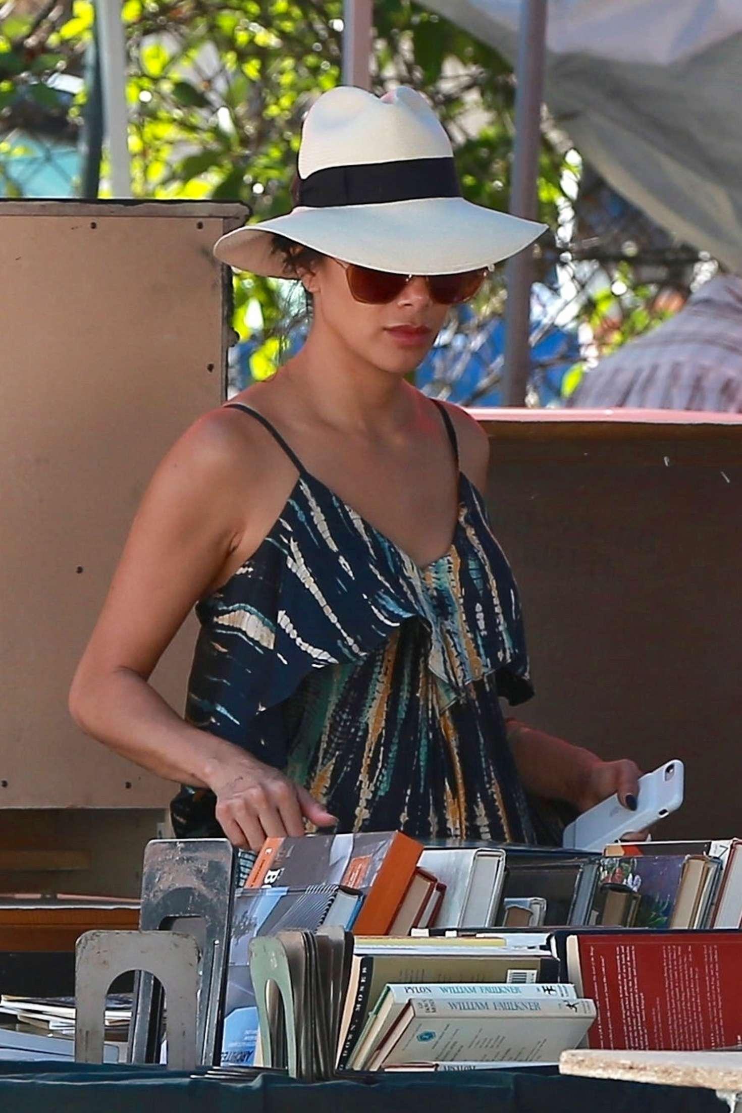 Nicole Scherzinger 2018 : Nicole Scherzinger: Shopping at the Melrose Trading Post -14