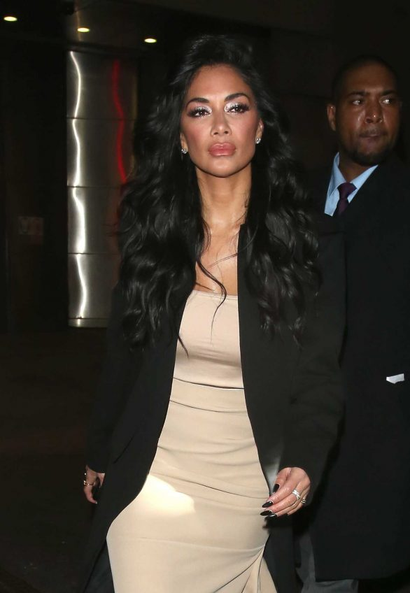 Nicole Scherzinger - Spotted while night out in London