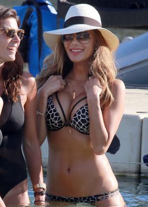 Nicole Scherzinger Hot in Bikini -03
