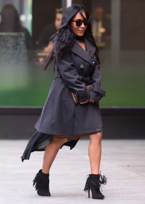 Nicole Snooki Polizzi - Heads to an office building in New York