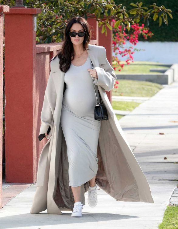 Nicole Trunfio - As she was seen out and about looking chic in LA