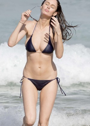 Nicole Trunfio in Black Bikini on Bondi Beach