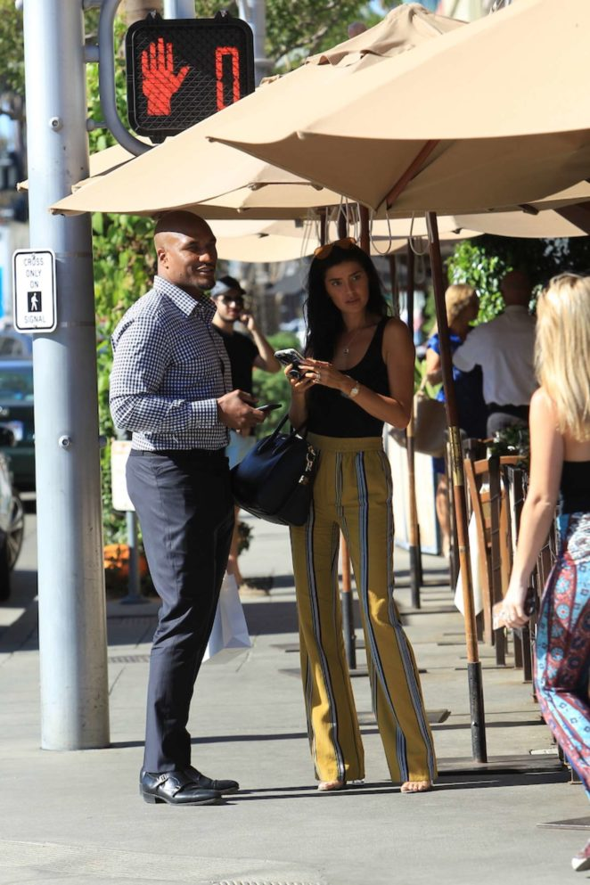 Nicole Williams and Larry English grabs lunch in Beverly Hills