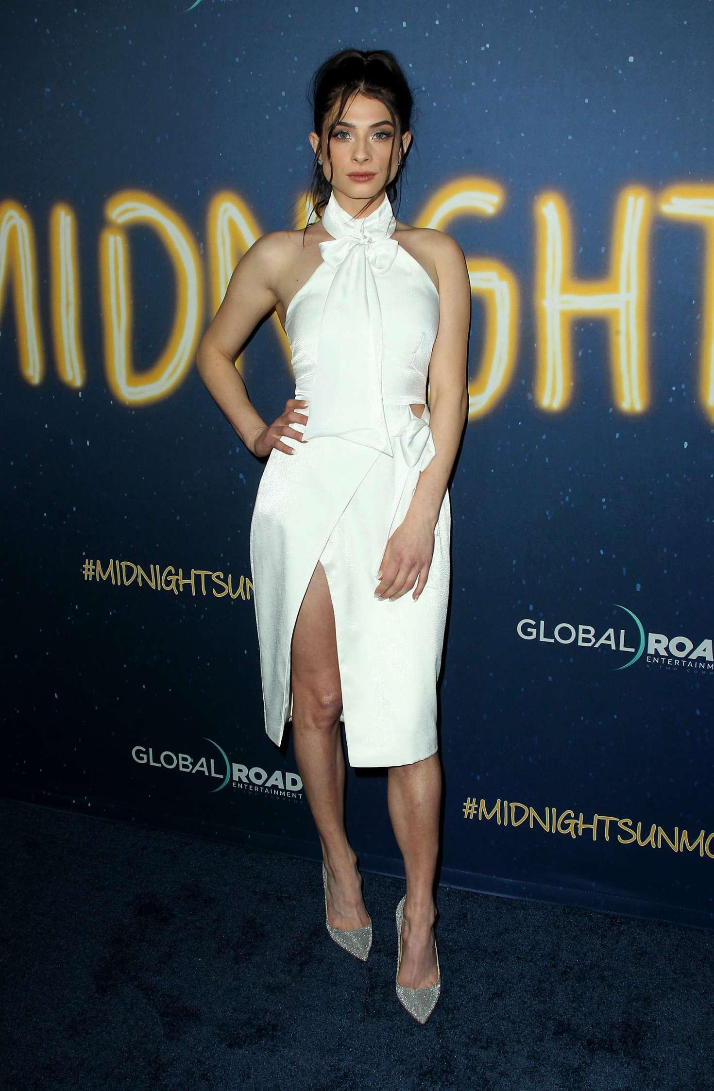 Niki Koss 2018 : Niki Koss: Midnight Sun Premiere in Los Angeles -01