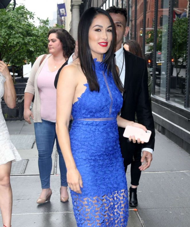 Brie Bella 2018 : Nikki And Brie Bella Arrives: Seen at The Chew In New York-01