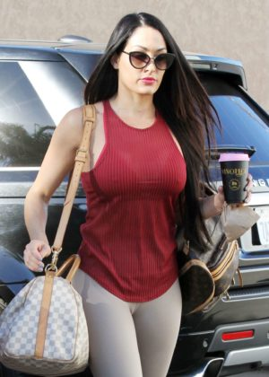 Nikki Bella - Heading into dance practice in Los Angeles