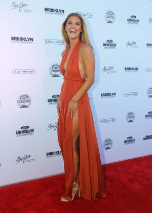 Nina Agdal: 2016 Sports Illustrated Swimsuit Summer of Swim Concert in Coney Island-09