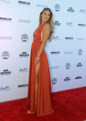 Nina Agdal: 2016 Sports Illustrated Swimsuit Summer of Swim Concert in Coney Island-12