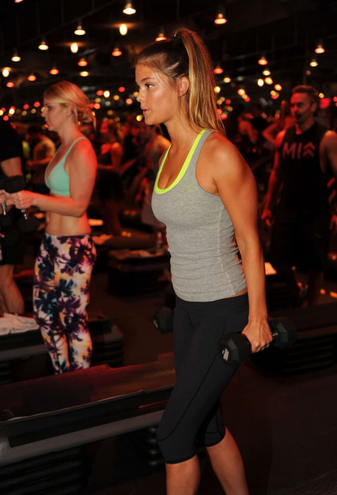 Nina Agdal – Barry's Bootcamp in Miami Beach