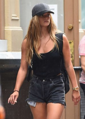 Nina Agdal Headed off to SoulCycle in New York