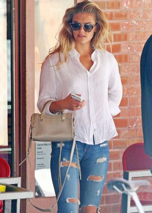 Nina Agdal - Out for lunch in New York