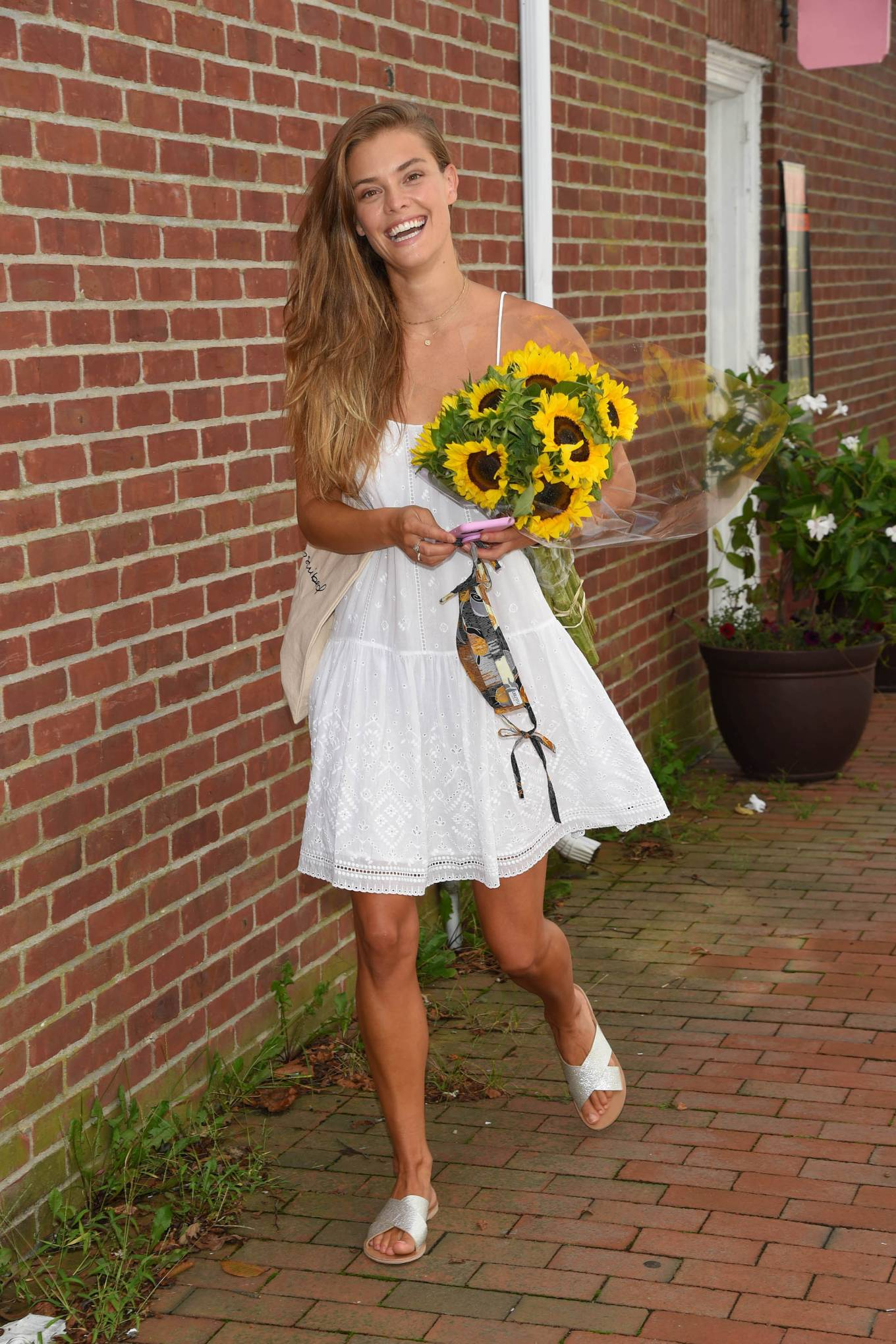 Nina Agdal - Shopping candids at Unsubscribed in East Hampton