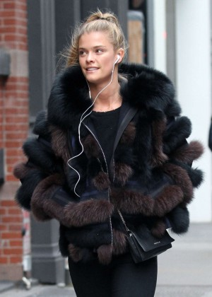 Nina Agdal - Shopping out in Manhattan