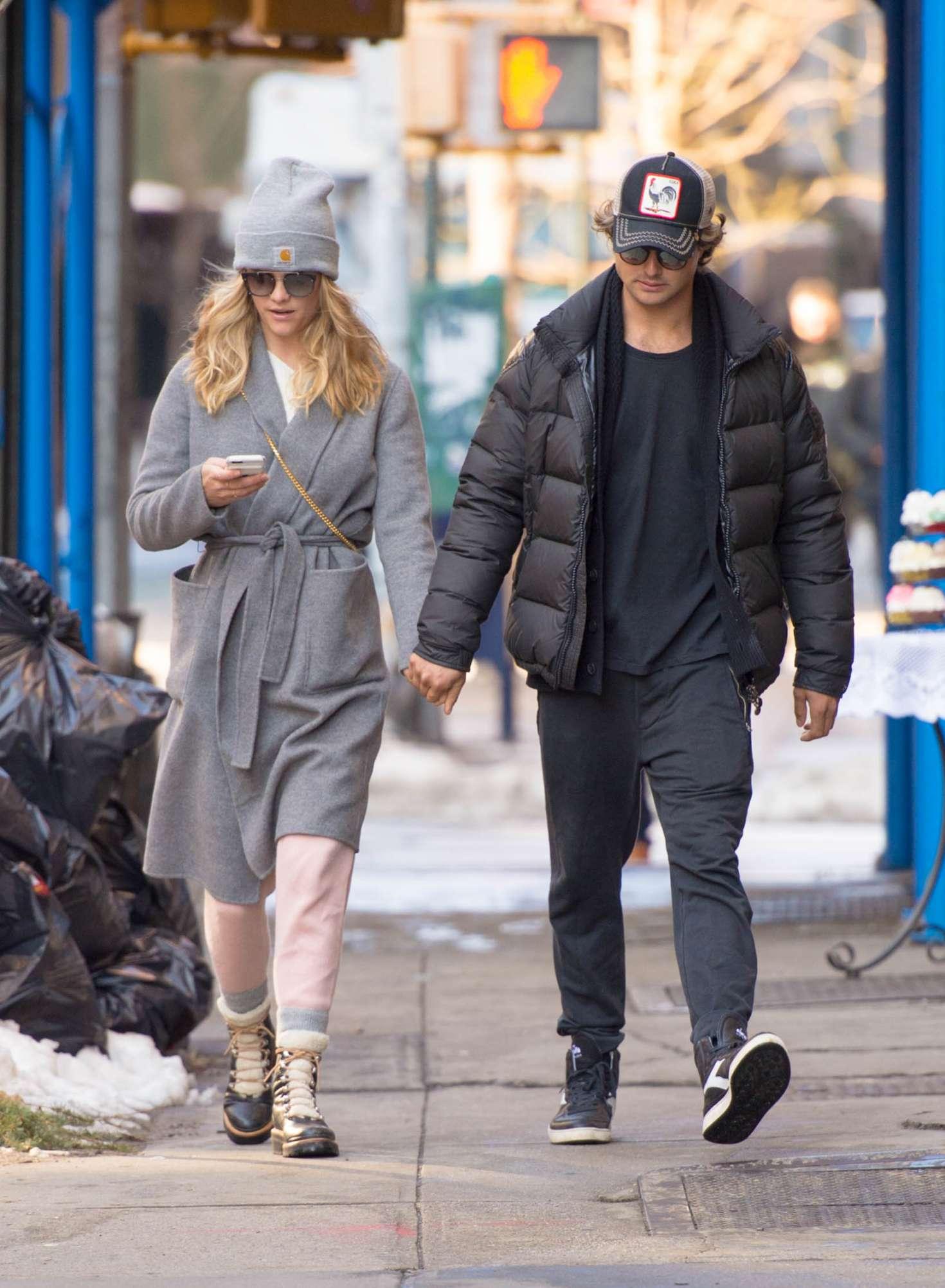 Nina Agdal 2018 : Nina Agdal: Shopping with boyfriend Jack Brinkley-Cook -16