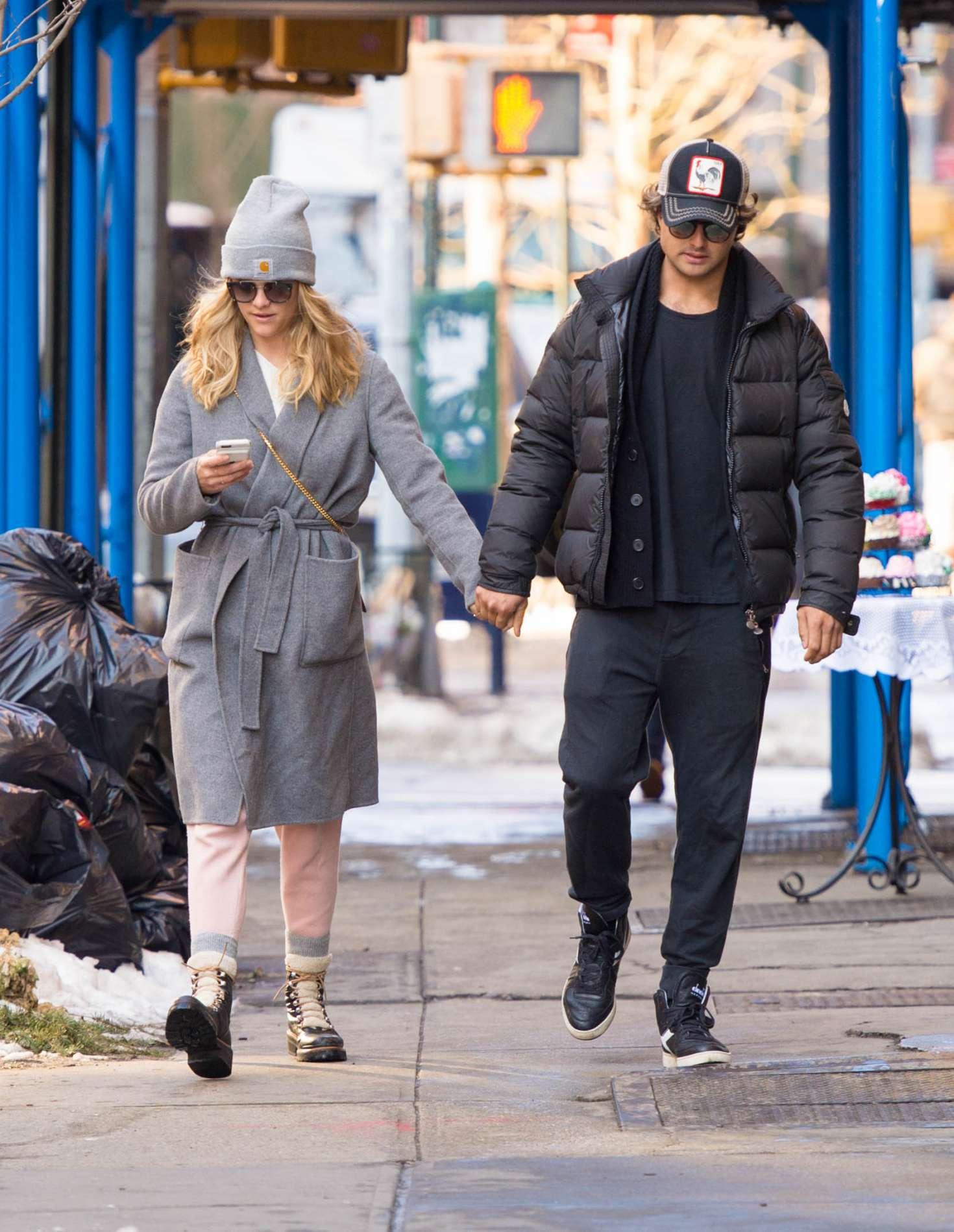 Nina Agdal 2018 : Nina Agdal: Shopping with boyfriend Jack Brinkley-Cook -17