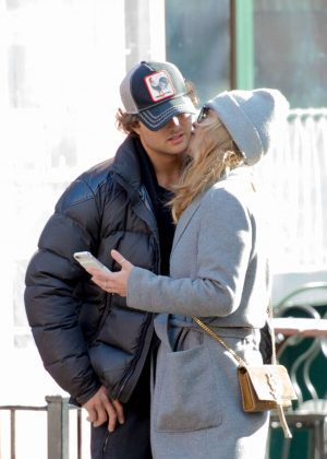 Nina Agdal - Shopping with boyfriend Jack Brinkley-Cook in NY