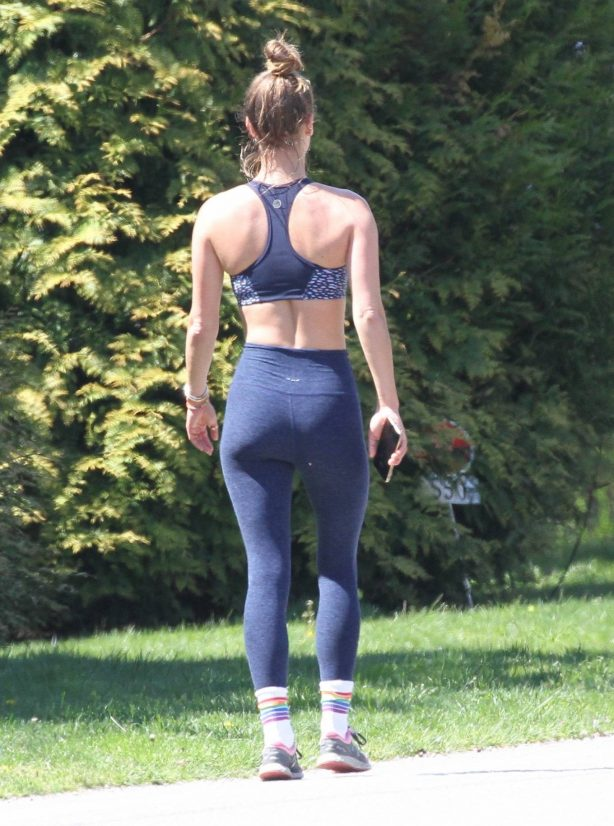 Nina Agdal - Spotted out jogging in the Hampton's