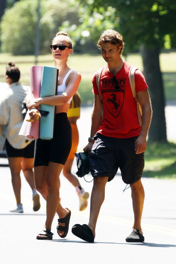 Nina Agdal - Steps out for a Yoga Class in The Hamptons New York