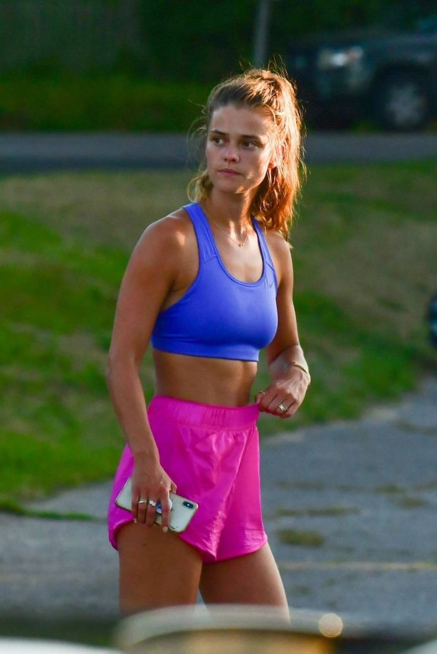 Nina Agdal - Work out with her boyfriend in The Hamptons