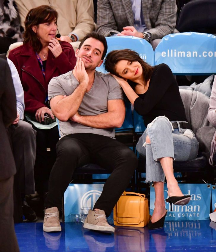Nina Dobrev: Cleveland Cavaliers v New York Knicks Game -01
