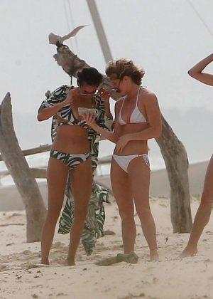 Gwen Stefani in Bikini Top in Playa del Carmen Pic 12 of 35