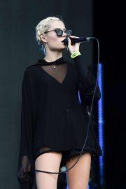 Nina Nesbitt - Performing at Fusion Festival in Sefton Park in Liverpool