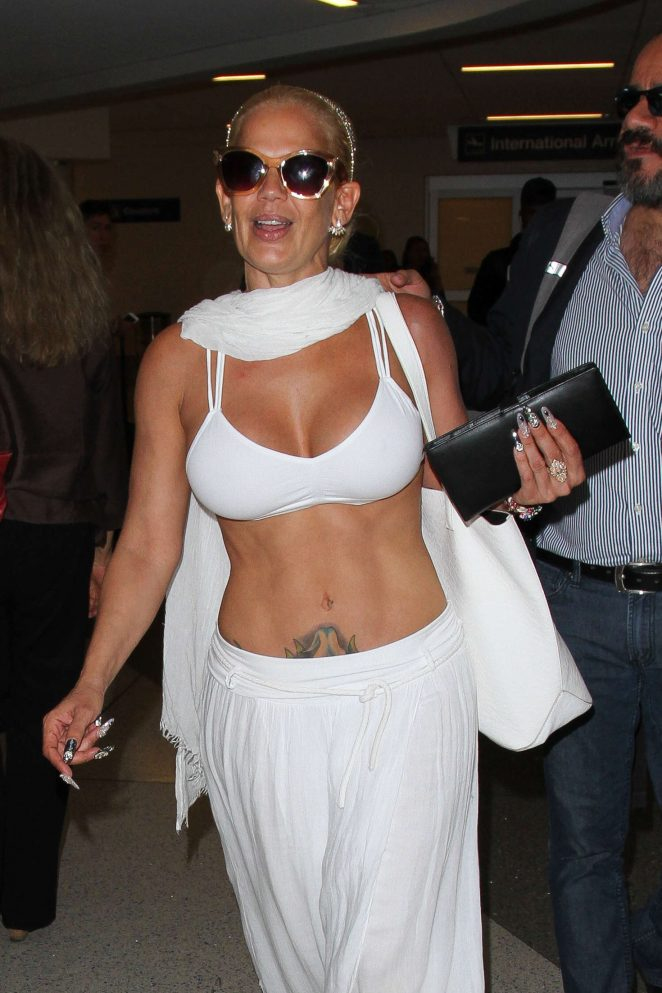 Niurka Marcos - Arrives at LAX Airport in Los Angeles
