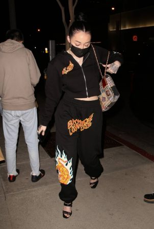 Noah Cyrus - Night out at Boa Steakhouse in West Hollywood