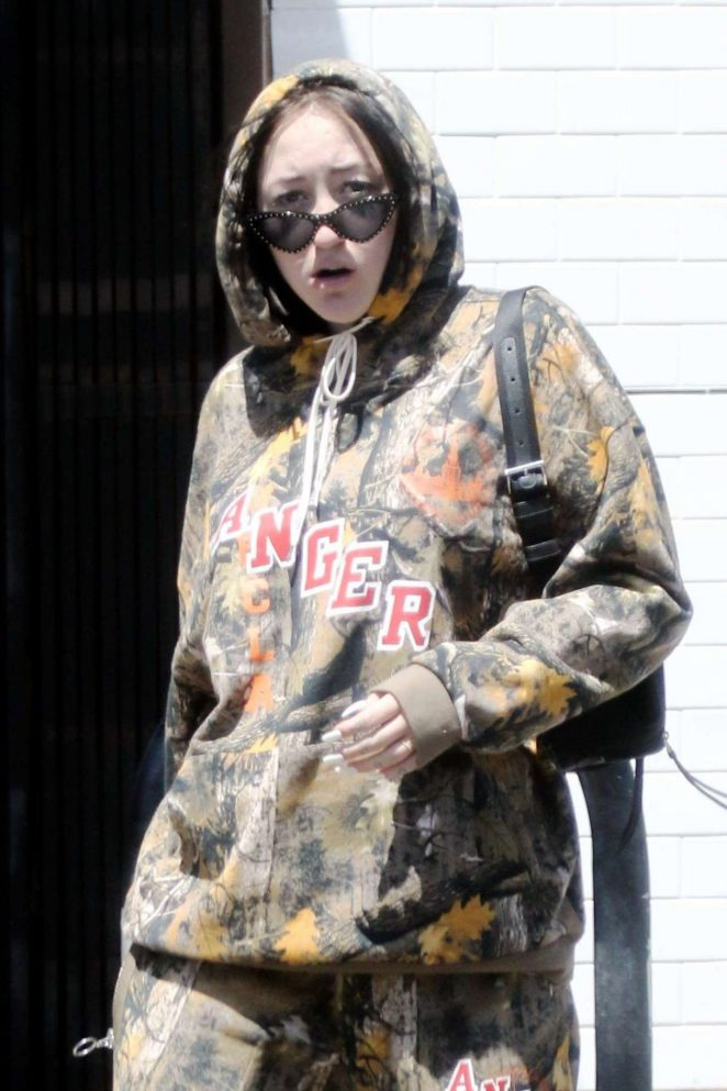 Noah Cyrus - Out in Studio City