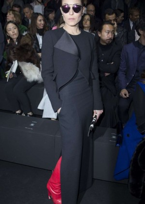 Noomi Rapace at Dior Menswear Fall/Winter 2015-2016 Show in Paris