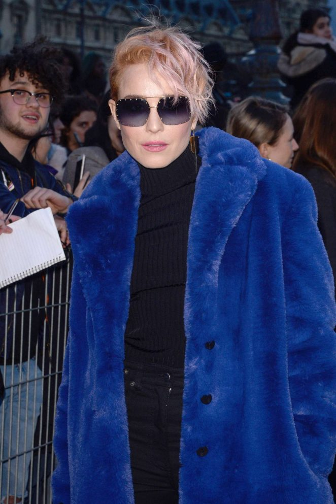 Noomi Rapace – Louis Vuitton Fashion Show 2018 in Paris