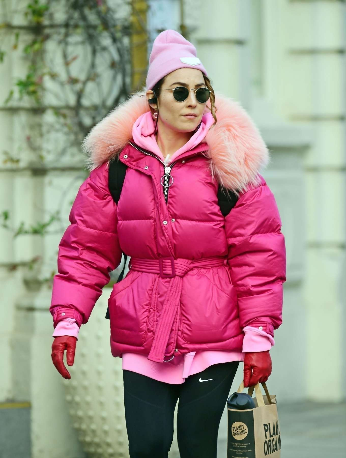 Noomi Rapace 2020 : Noomi Rapace – Shopping candids at Planet Organic in Notting Hill-02