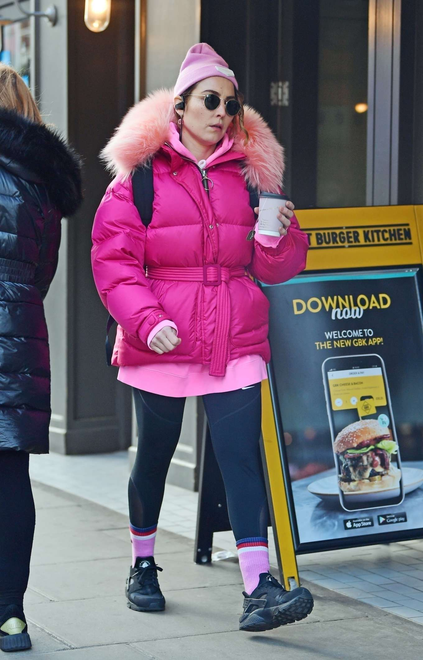 Noomi Rapace 2020 : Noomi Rapace – Shopping candids at Planet Organic in Notting Hill-05