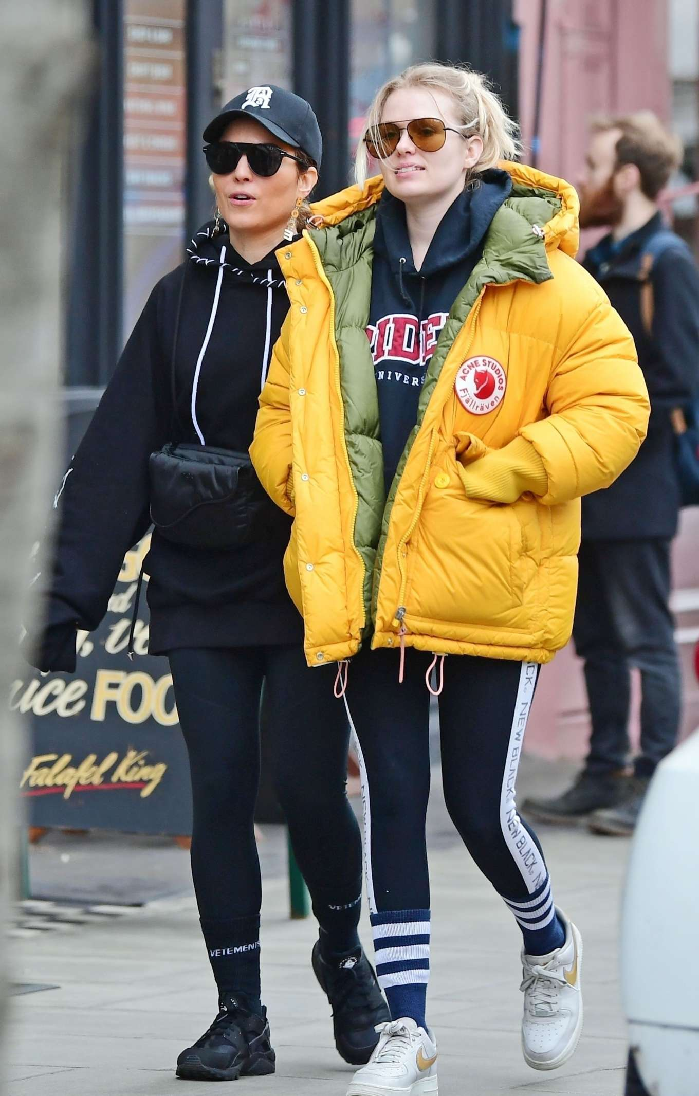 Noomi Rapace 2020 : Noomi Rapace with a friend out in Notting Hill-04