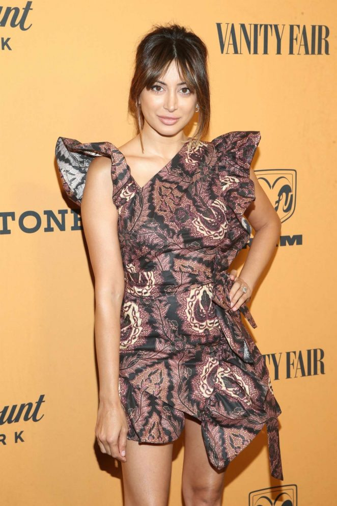 Noureen DeWulf – 'Yellowstone' TV Show Premiere in Los Angeles