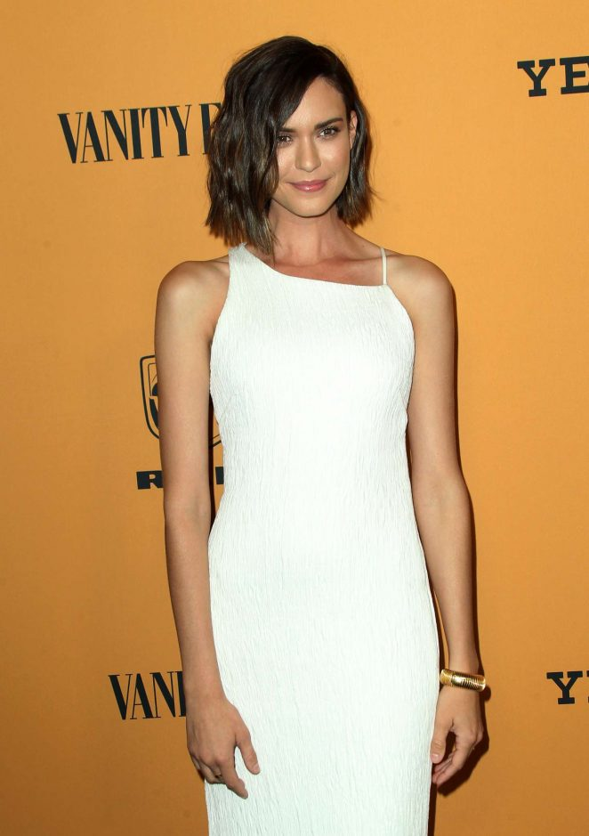 Odette Annable – 'Yellowstone' TV Show Premiere in Los Angeles