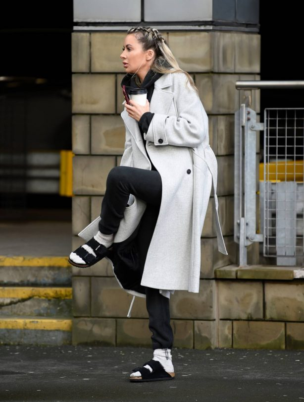Olivia Attwood - Chatting on her phone in Manchester