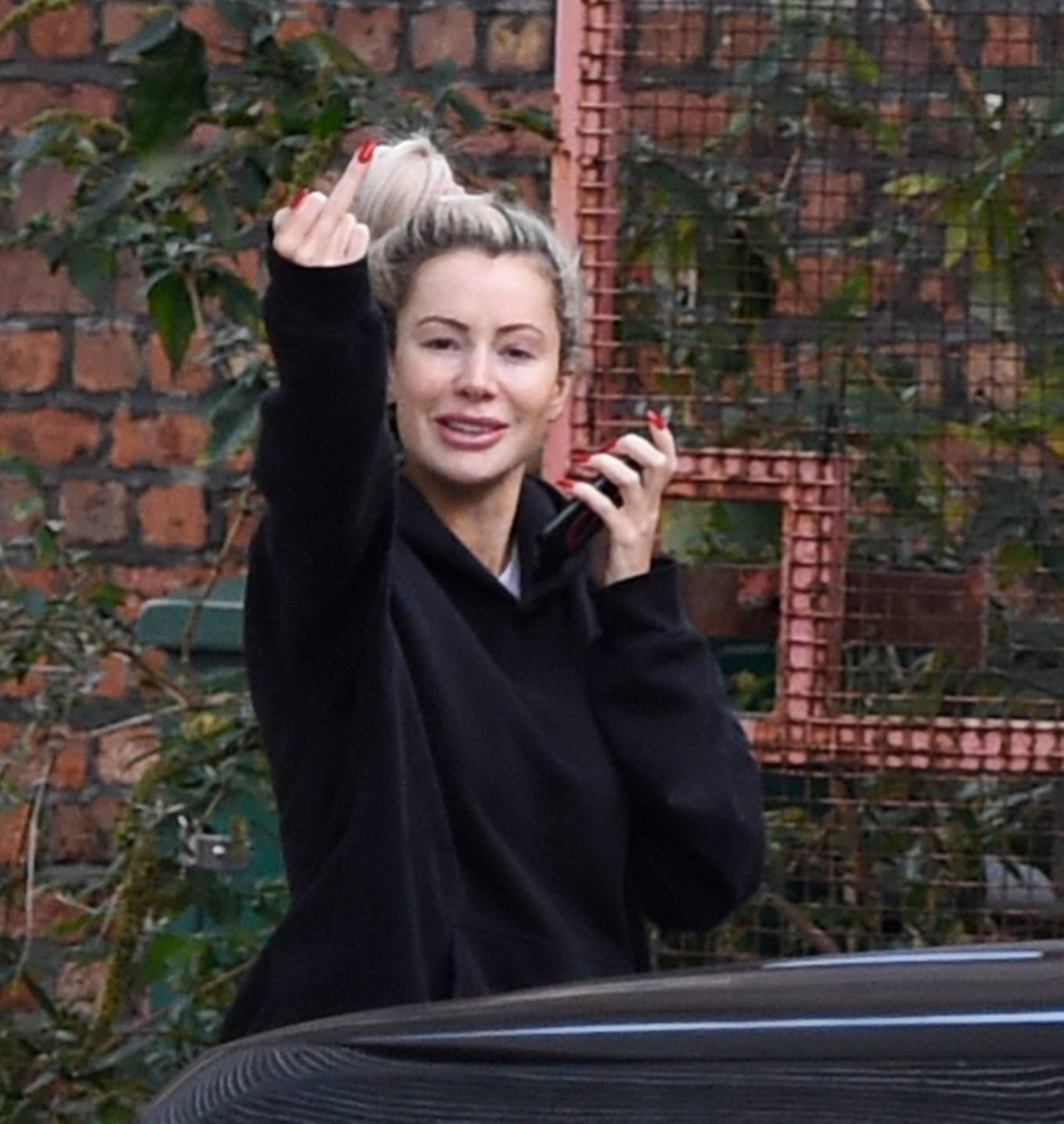 Olivia Attwood 2020 : Olivia Attwood – Is locked out as is seen struggling to get back – Manchester-08