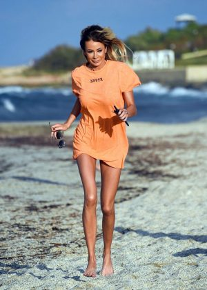 Olivia Attwood on the beach in Greece