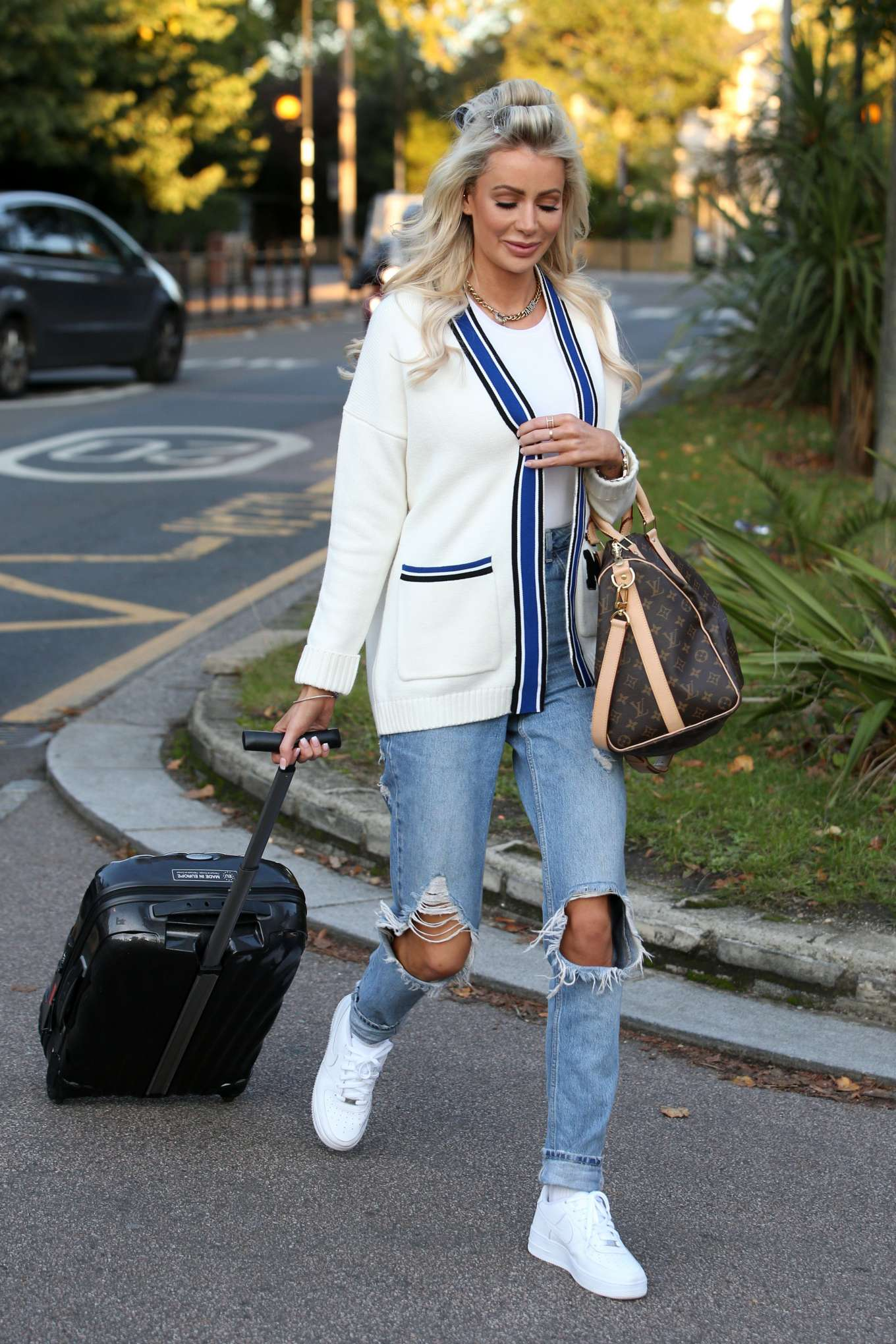 Olivia Attwood - 'The Only Way Is Essex' TV show filming in Essex