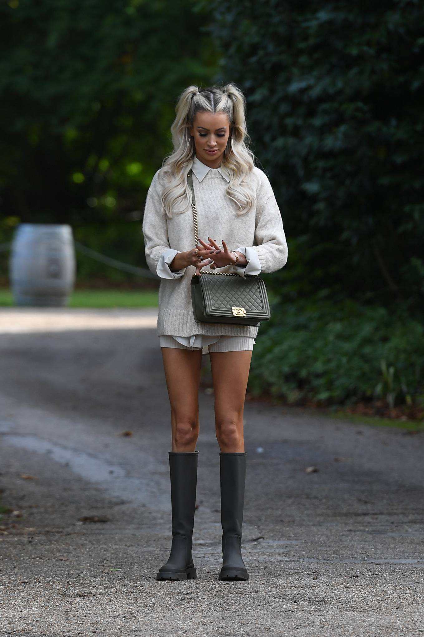 Olivia Attwood 2020 : Olivia Attwood – The Only Way is Essex TV Show filming in Essex-03
