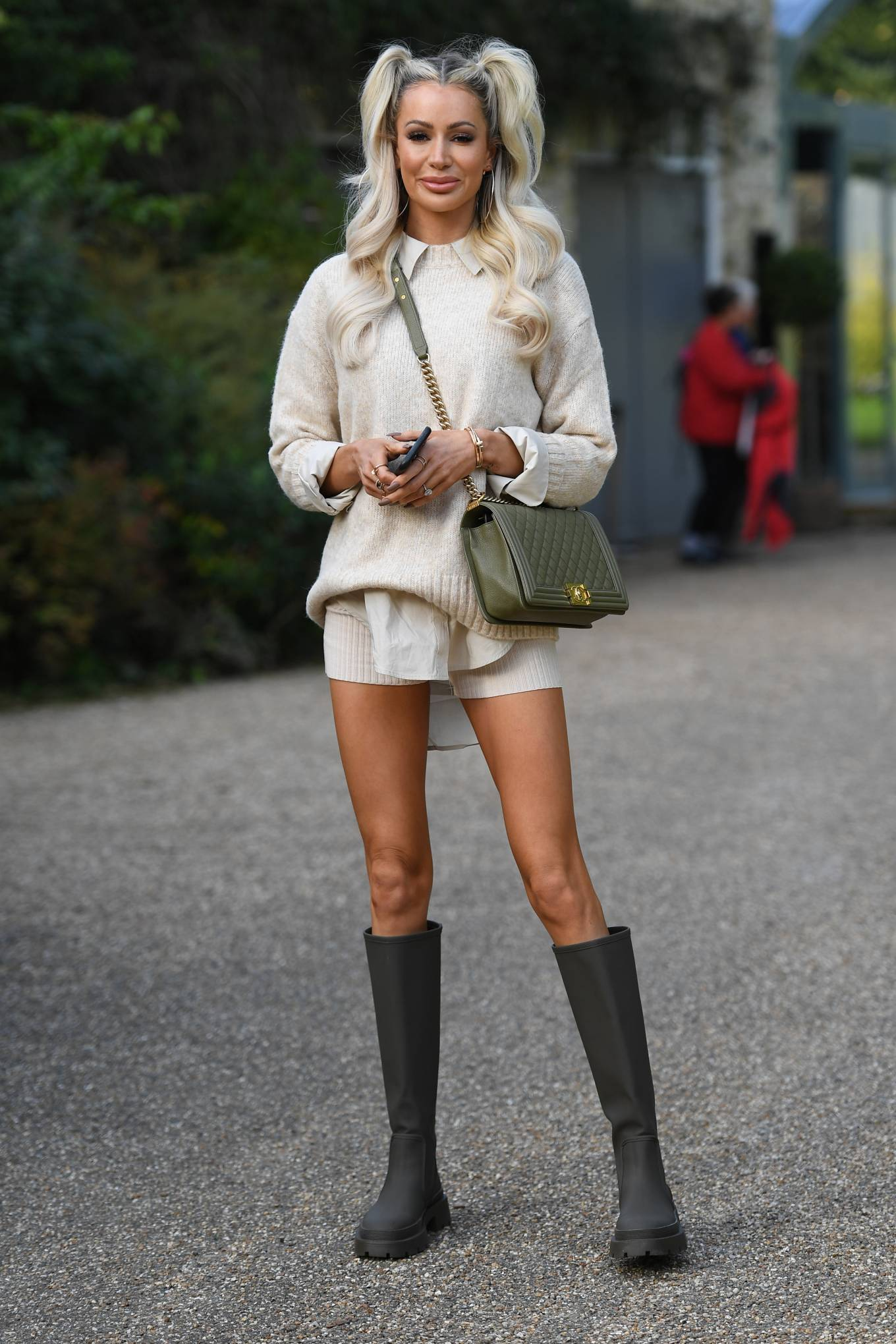 Olivia Attwood 2020 : Olivia Attwood – The Only Way is Essex TV Show filming in Essex-04
