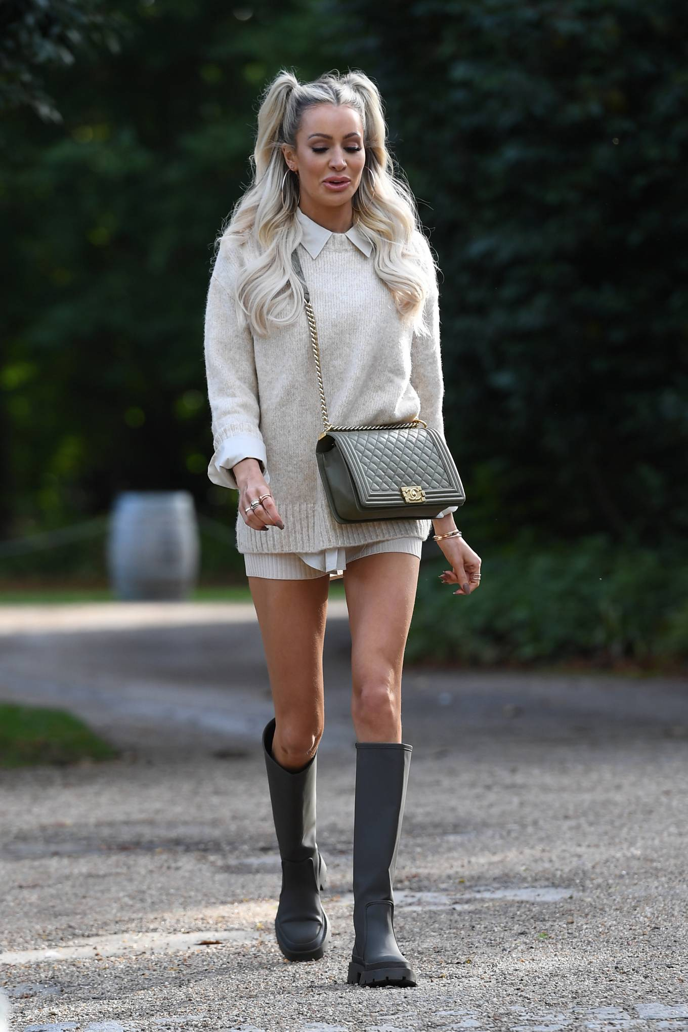 Olivia Attwood 2020 : Olivia Attwood – The Only Way is Essex TV Show filming in Essex-06