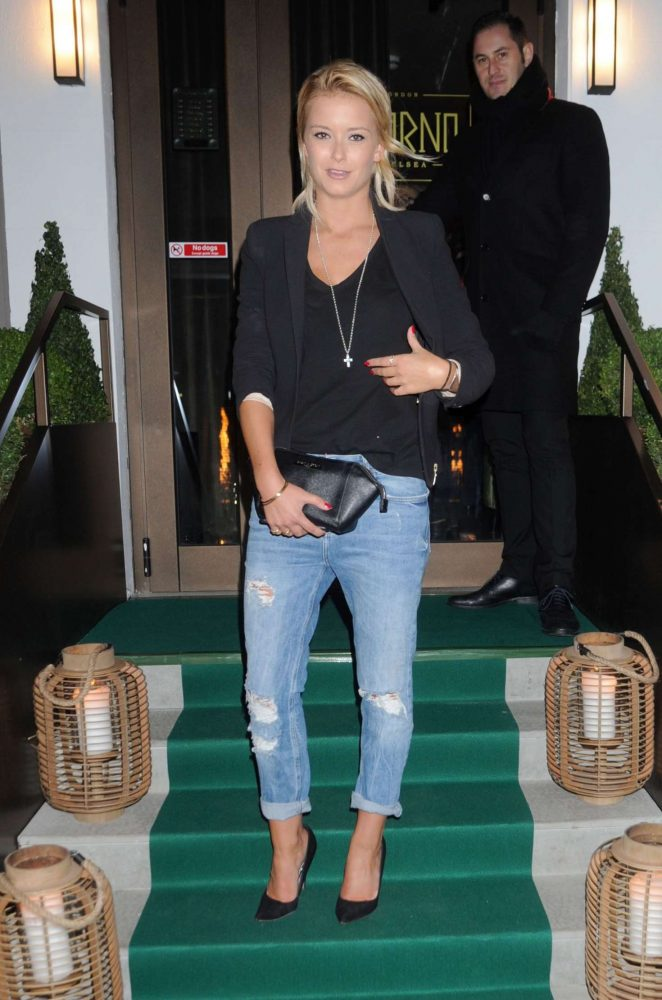Olivia Bentley in Jeans out in London