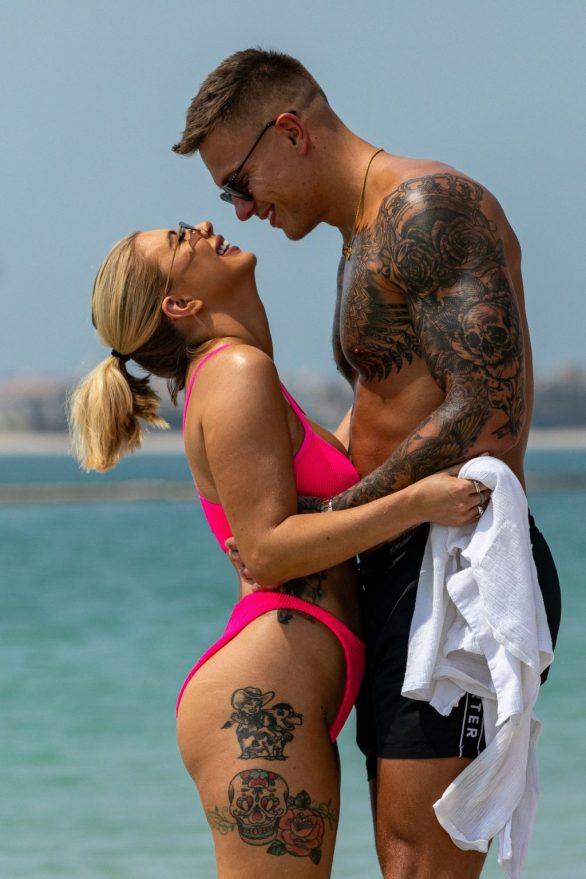 Olivia Buckland 2019 : Olivia Buckland and Alex Bowen were seen on a beach in Dubai-07