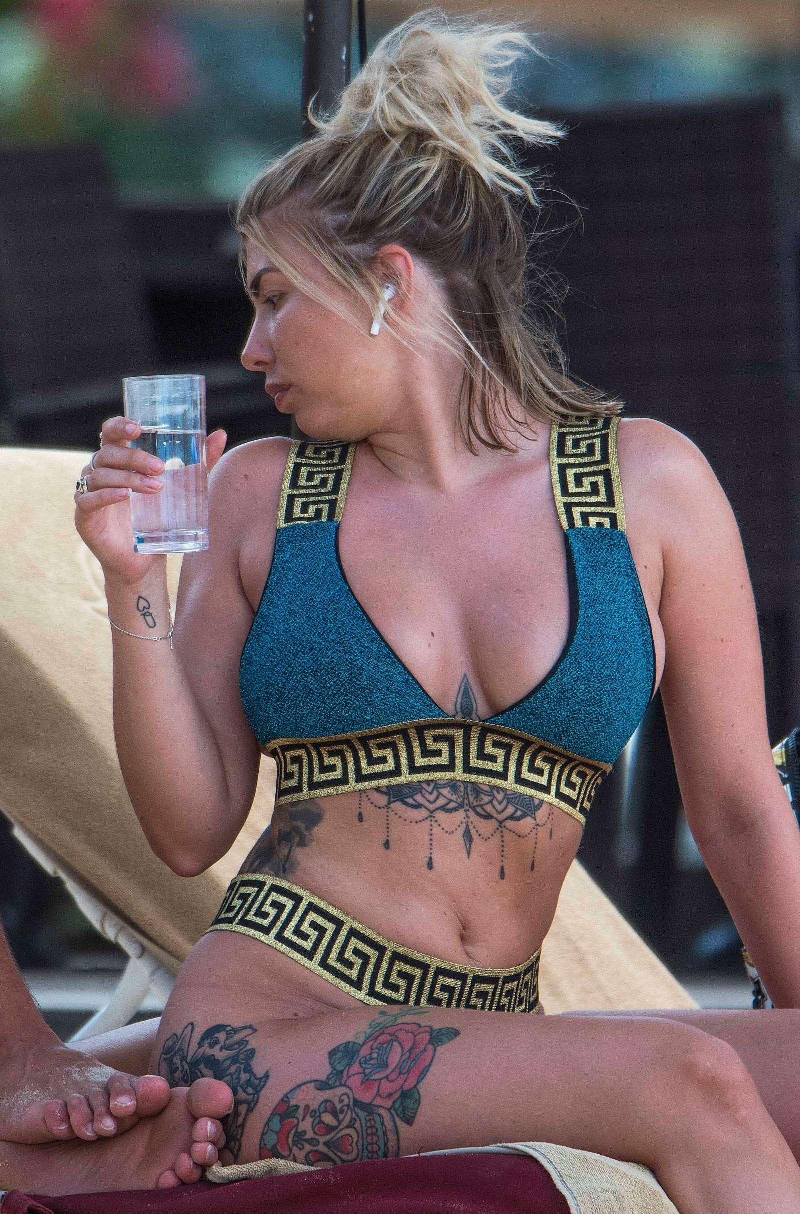 Olivia buckland topless