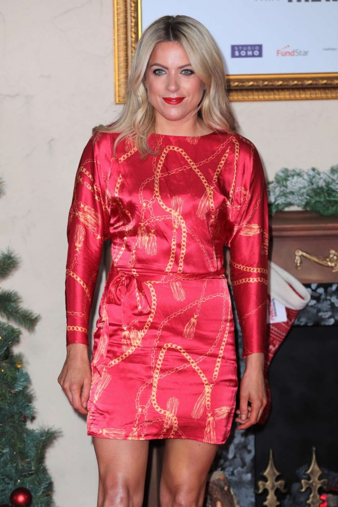 Olivia Cox – 'Surviving Christmas with the Relatives' Premiere in London