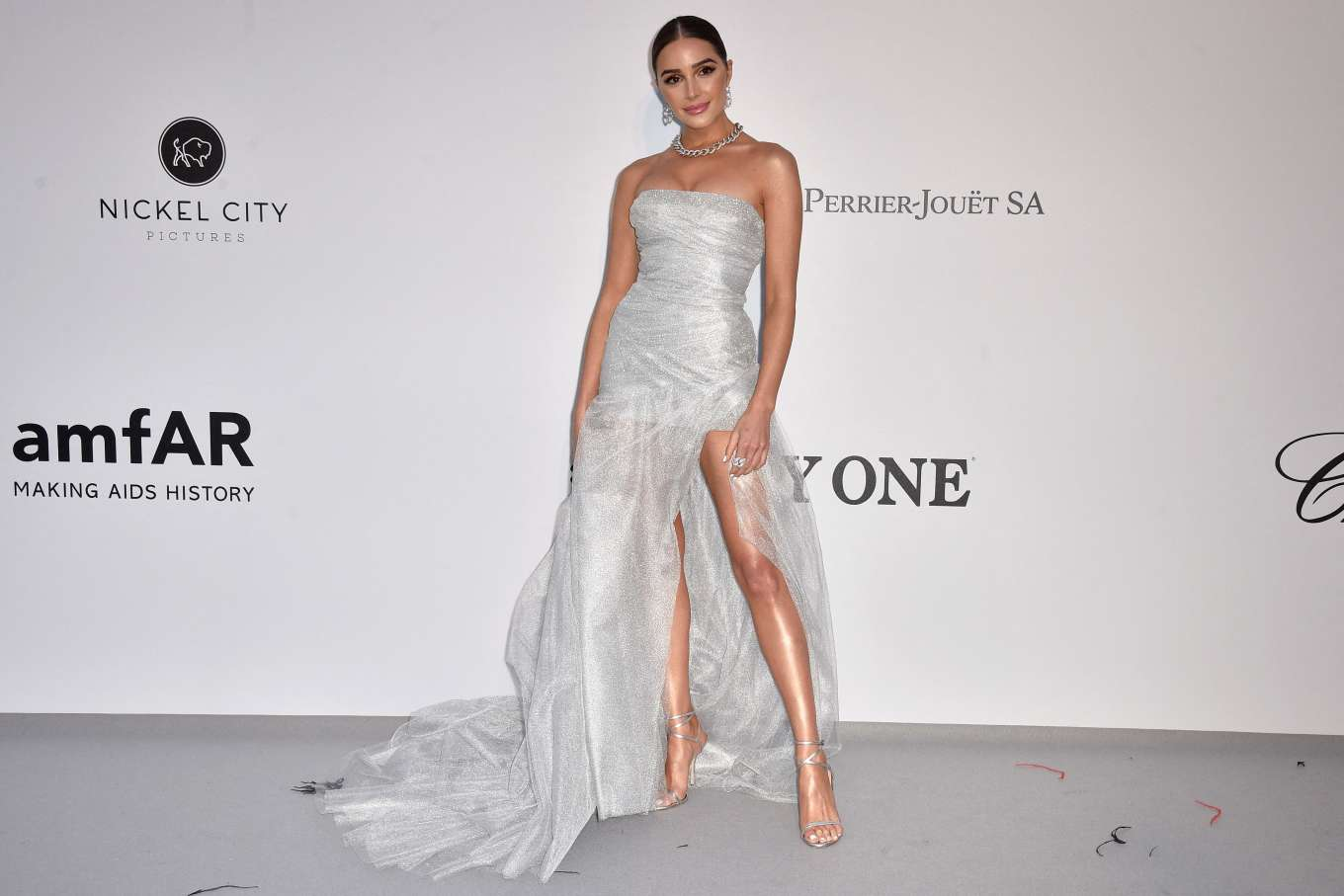 Olivia Culpo 2019 : Olivia Culpo: amfARs 2019 Cinema Against AIDS Gala-04